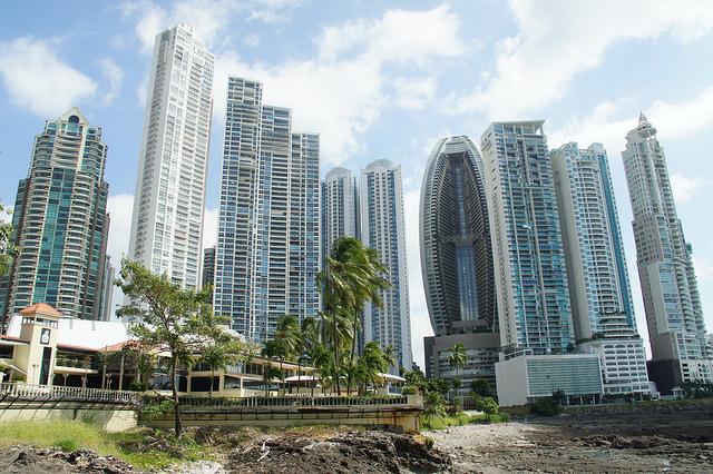 live well in panama city panama
