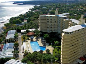 where to live in panama city
